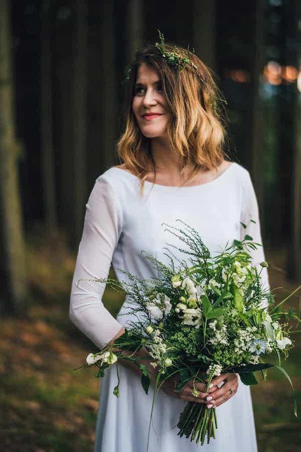 Greenery lesní zeleň svatební kytice kapradí a vřes.