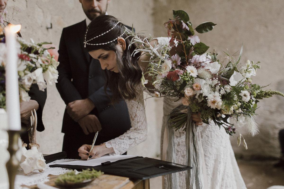 Boho neotřelá originální svatební kytice. c316eaacbb