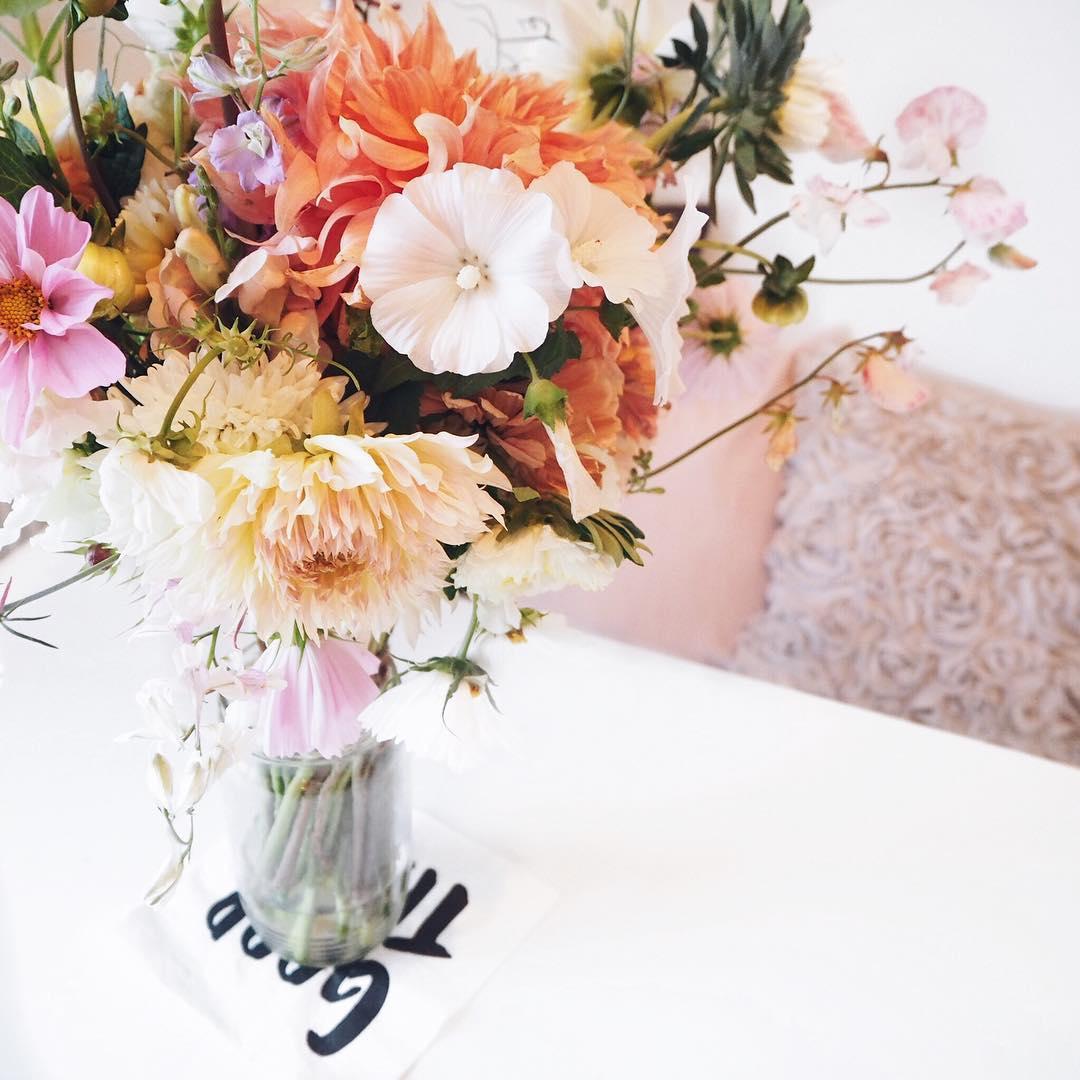 Kytice meruňková, předplatné na květiny až domů.